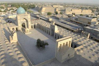 Mosquée Kalon vue de son minaret. (© Jeff Jones - Iconotec)
