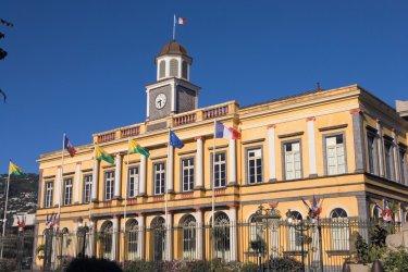Mairie de Saint-Denis située rue de Paris. (© Author's Image)