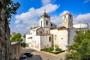 Igreja de Santa Maria do Castelo, Tavira. (© Val Thoermer - Shutterstock.com)