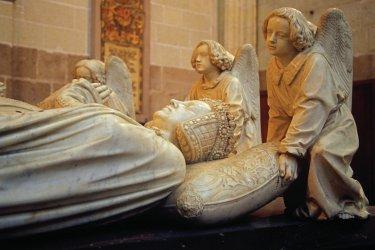 Détails des statues décorant la tombe de Francois II de Bretagne. (© Sime)