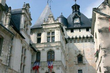 L'Hôtel de Ville et la porte Picois - Loches (© OLIVIER.BOST - XILOPIX)