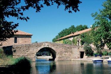 Pont sur le canal du Midi - Le Somail (© IRÈNE ALASTRUEY - AUTHOR'S IMAGE)
