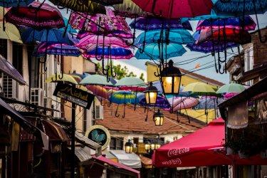 Dans les ruelles de la Čaršija, la vielle ville ottomane, à Skopje. (© Zograph - Shutterstock.com)