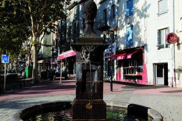 Fontaine dans les rues de Clermont-Ferrand (© Julien Hardy - Author's Image)