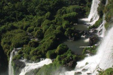 Chutes d'Iguazú. (© Arnaud Bonnefoy)