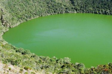 Laguna de Guatavita. (© Alberto Loyo / Shutterstock.com)