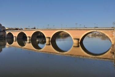 Le pont de Bergerac. (© BZH22 - iStockphoto)