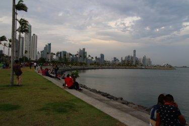 Promenade Cinta Costera, Panama City. (© Julie OLAGNOL)