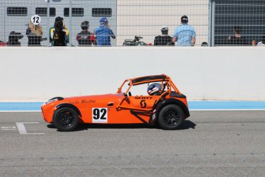 Caterham sur le Circuit Paul Ricard. (© Laurent BOSCHERO)