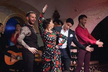 Marcos Flores, David Palomar, Rosario Toledo et Jesús Fernández sur scène. (© TABLAO CORDOBÉS)