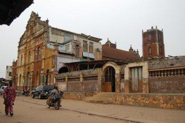 Église de style afro-brésilien. (© C. THARREAU - Association 1,2,3 Déclics)