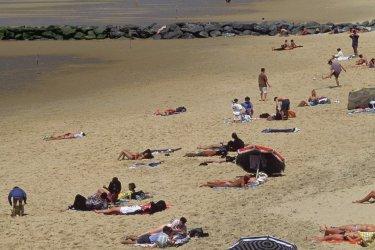 Sur la plage de Lacanau-Océan. (© PHOVOIR)