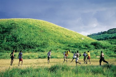 Jeunes footballeurs. (© Sir Pengallan - Iconotec)