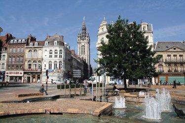 La place d'Armes à Douai (© C.J.C. - Fotolia)