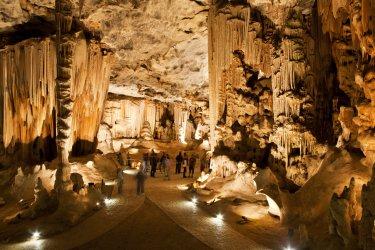 La salle du trône dans les Grottes de Cango. (© Andrea Willmore - Shutterstock.com)