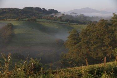 La campagne au petit jour, St Pée sur Nivelle - Pays Basque. (© Krystell BONNET photographie)