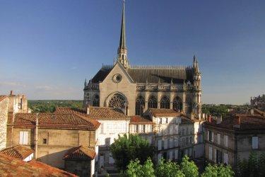 L'église Notre-Dame d'Obézine à Angoulême (© Jimjag - Fotolia)