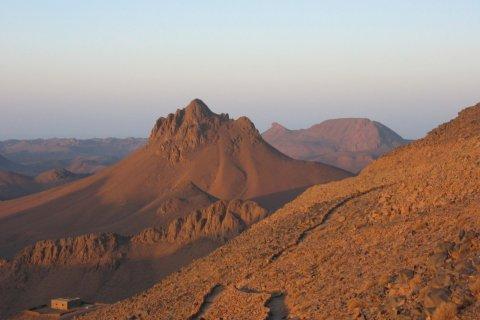 Mont Tahat, le plus haut d'Algérie (2 918 m) (© Jean-Paul LABOURDETTE)
