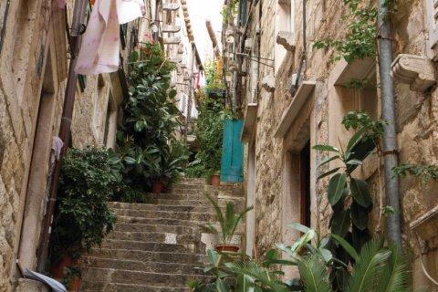 Balade dans les petites ruelles de Dubrovnik. (© Lawrence BANAHAN - Author's Image)