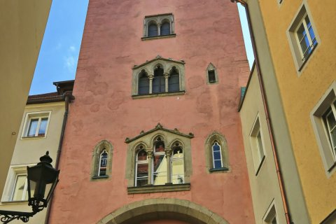 Balade dans la vieille ville de Regensburg. (© fotoping - stock.adobe.stock)