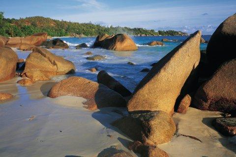 Rochers de granit. (© Tom Pepeira - Iconotec)