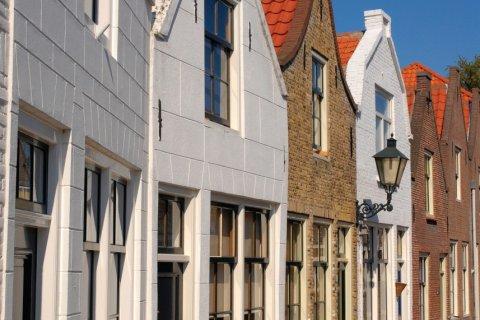 On flâne dans les rues aisément reconnaissables de Zierikzee. (© brytta - iStockphoto.com)