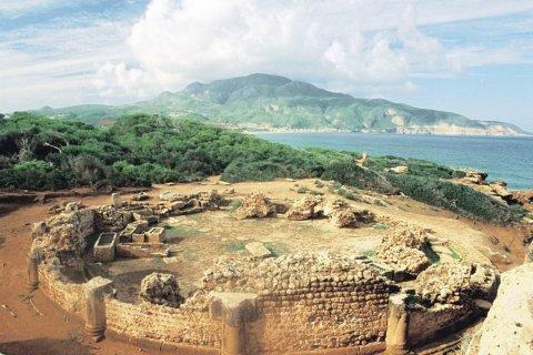 Mausolée circulaire du site archéologique de Tipasa. (© Sébastien CAILLEUX)