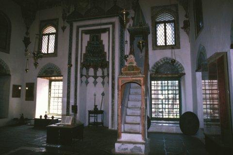 Musée municipal de la mosquée d'Aslan Pacha. (© Author's Image)