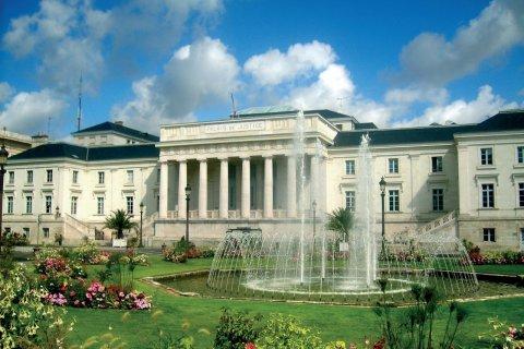 Le palais de justice de Tours (© Benuch - Fotolia)