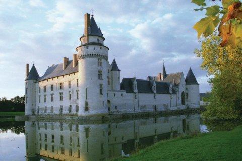 Le château du Plessis-Bourré et ses douves (© OLIVIER.BOST - XILOPIX)