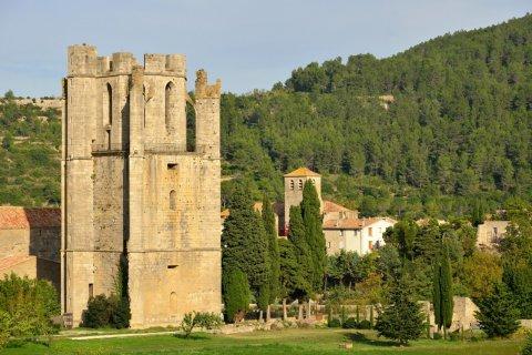 Abbaye de Lagrasse. (© Bjul - Fotolia)