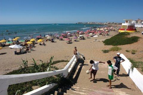 Les plages à l'ouest d'Alger, Sidi-Fredj. (© Sébastien CAILLEUX)