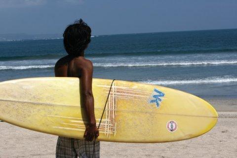 Grande plage de Kuta, paradis des surfeurs. (© Stéphan SZEREMETA)