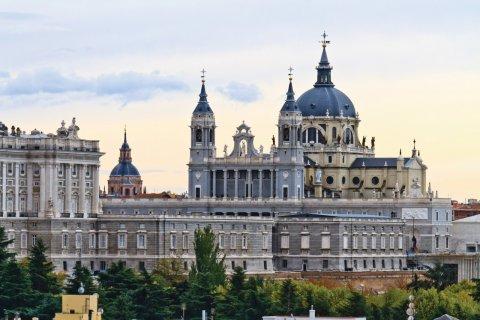 La cathédrale de la Almudena. (© Bertl123 - iStockphoto)