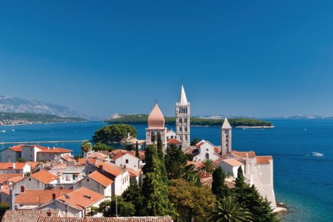 Ville de Rab sur l'île du même nom. (© crazycroat - iStockphoto.com)