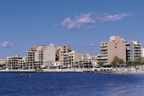 S'Arenal hôtels en bord de mer. (© Hervé Bernard - Iconotec)