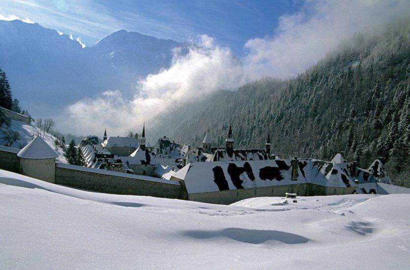 Le guide pratique petit fut stations de ski is re - Office tourisme st pierre de chartreuse ...
