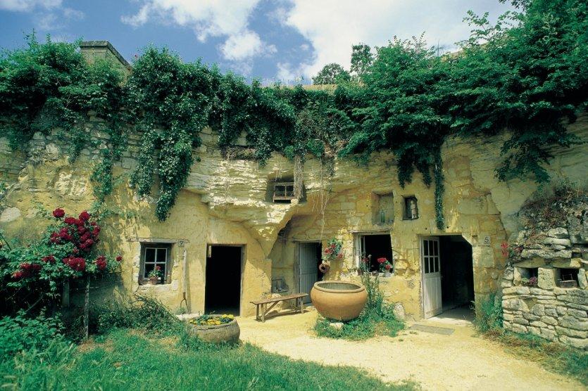 Le guide th matique petit fut guide de l 39 notourisme vall e de la loire - La grange a dime montreuil bellay ...