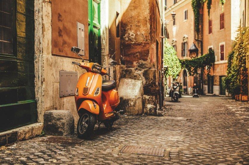 le guide pratique petit fut europe moto de la toscane au lazio. Black Bedroom Furniture Sets. Home Design Ideas