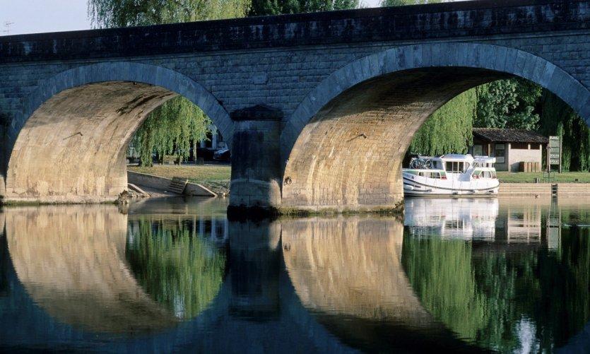 Tourisme fluvial sur la Charente