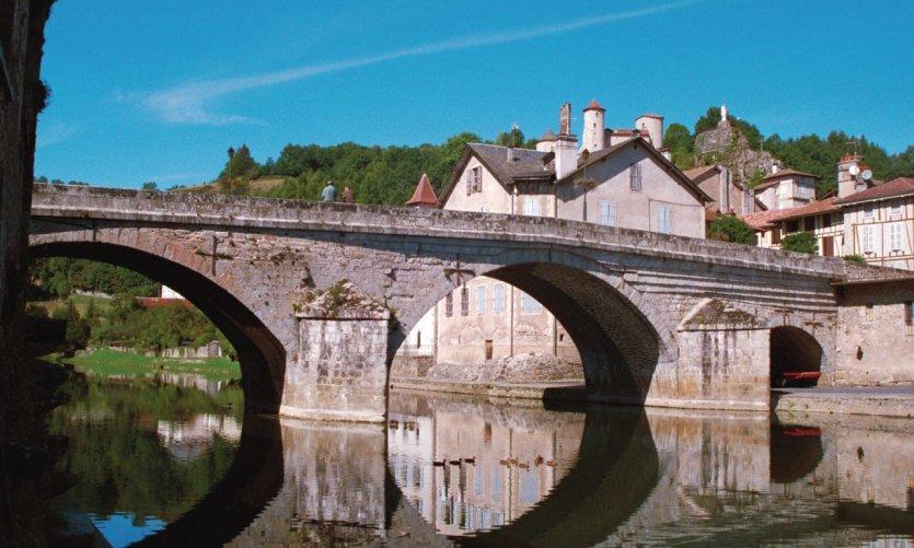 Le pont de Laroquebrou