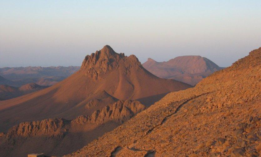 Mont Tahat, le plus haut d'Algérie (2 918 m)