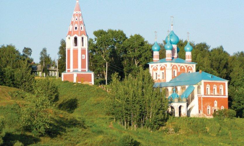 Église de la Transfiguration de la Vierge de Kazan à Toutaïev.