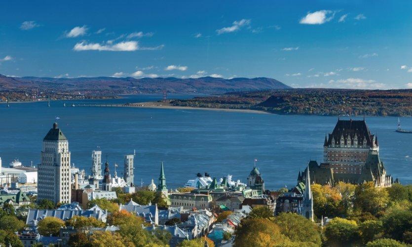 <p>La ville de Québec au matin.</p>