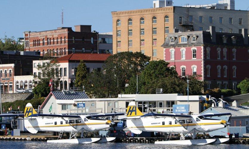 Hydravion de Harbour Air dans le port de Victoria