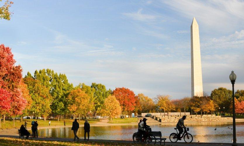 Washington Monument vu depuis le Constitution Gardens.