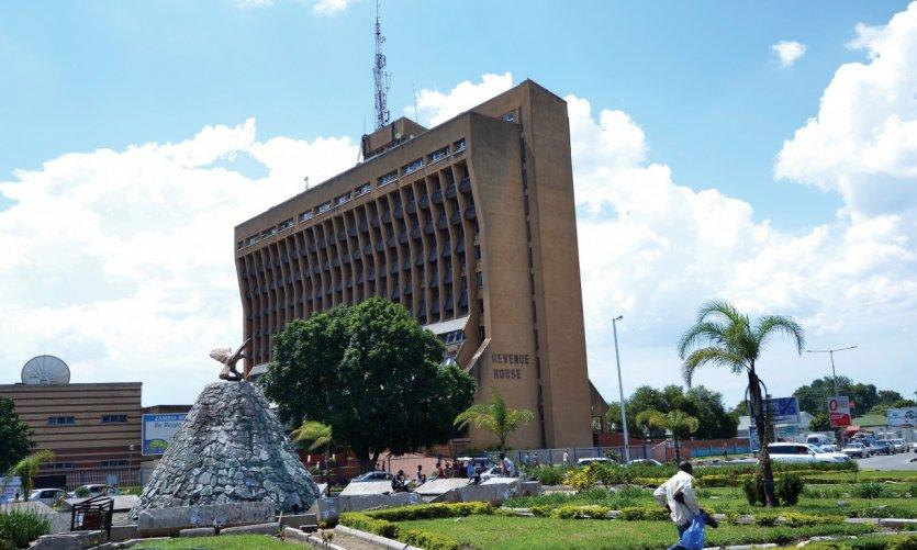Square Revenue House dans le centre de Lusaka.