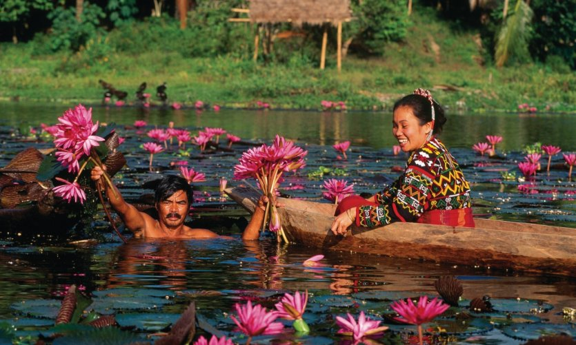Ethnie T'Bolis autour du lac Sebu.