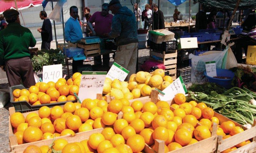 <p>Oranges sur le marché de Loulé.</p>