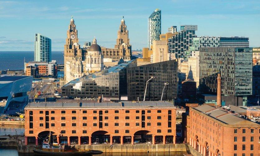 Vue d'ensemble sur les monuments les plus représentatifs de Liverpool.